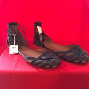 Brand new Sandals size 10
